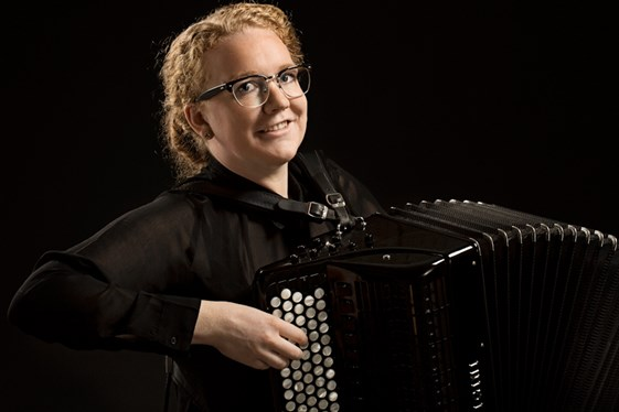 Accordeon og rytmiklærer Louise Kristensen